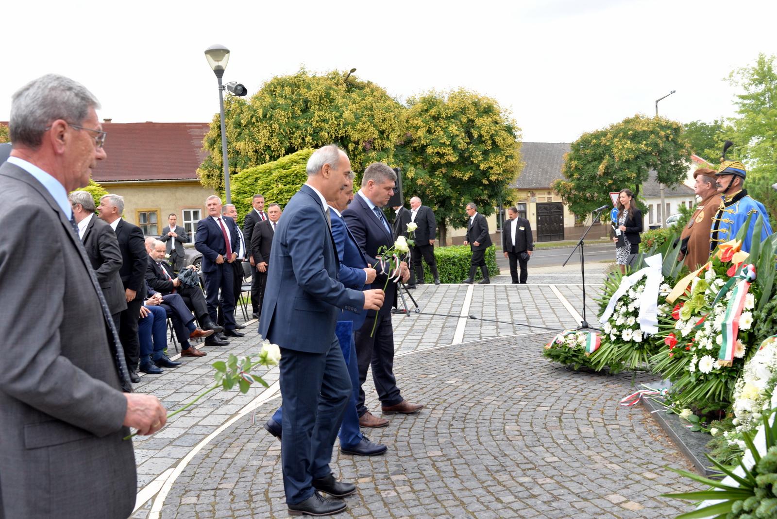 Megemlékezés és díszünnepség Móron Wekerle Sándor halála 100. évfordulóján