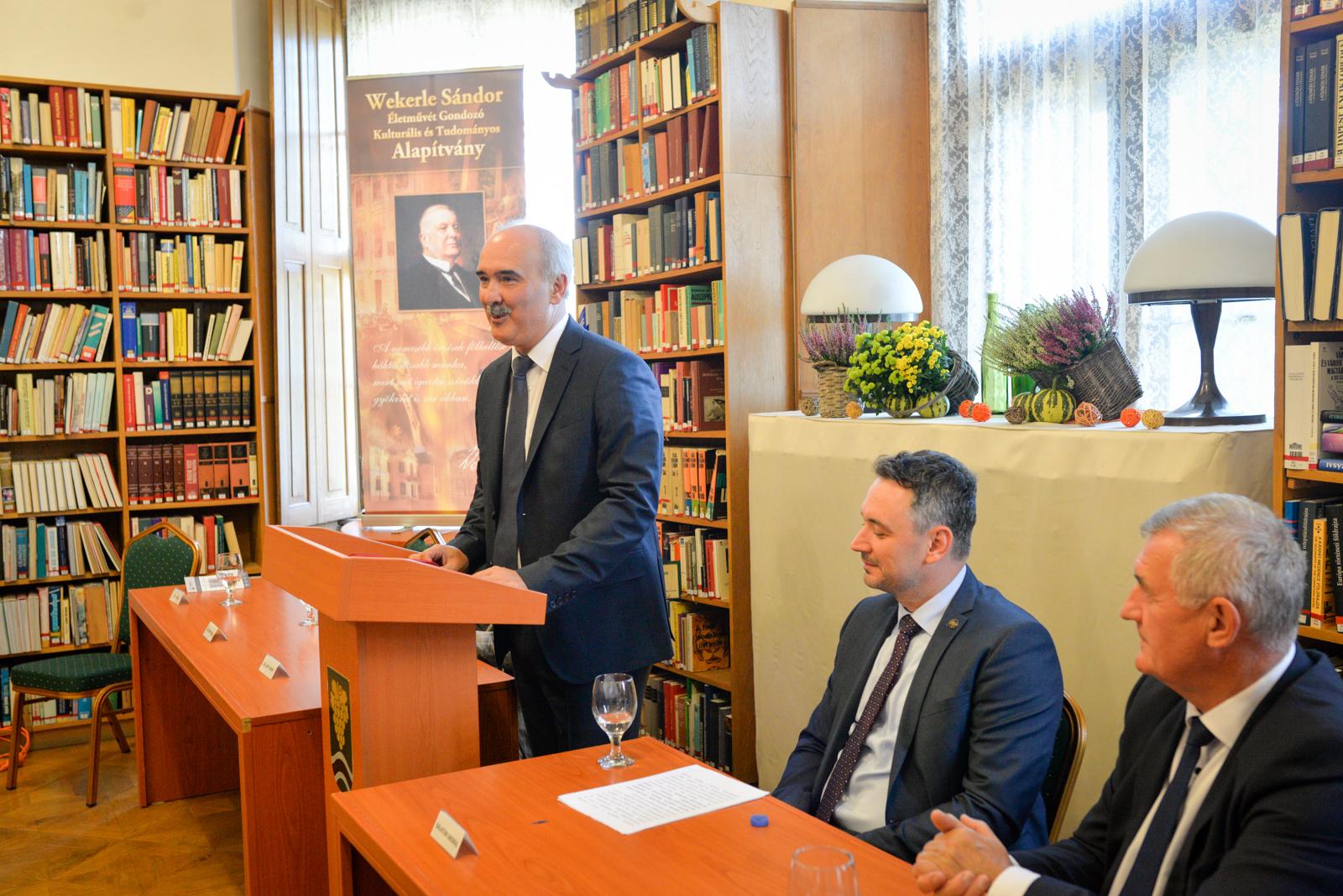 Könyvbemutató Wekerle Sándorról 08.27-én