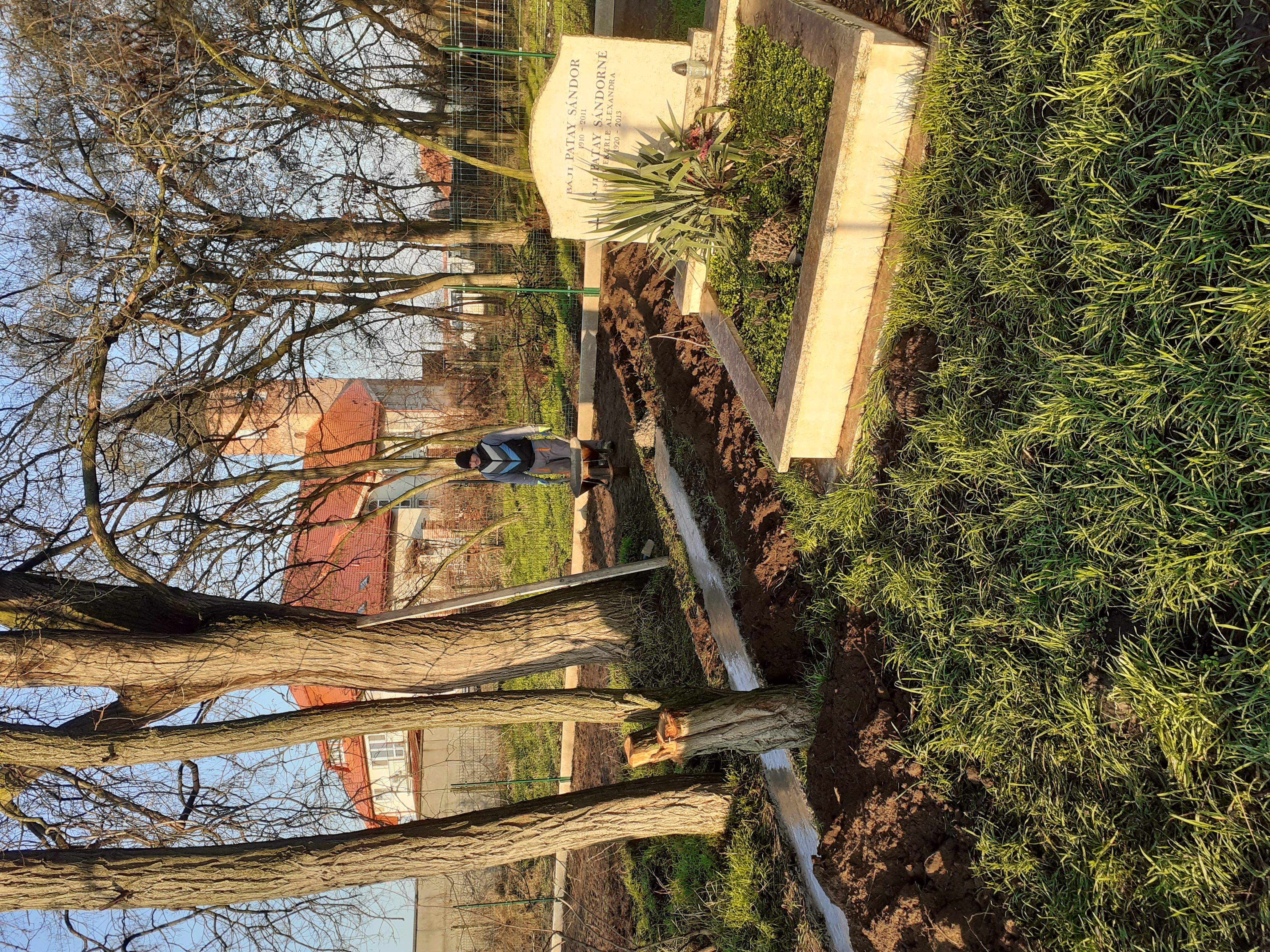 Wekerle sírkert felújítása Nyáregyházán